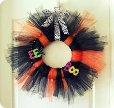 More tulle wreaths... who knew?