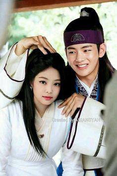 Hwarang Taehyung, Bts Jungkook, Stefan William, Bts Girl, Kpop Couples, Girl Couple, Blackpink And Bts, Asian Celebrities, Jennie Blackpink