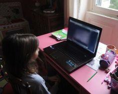 """El abuso y el acoso sexual infantil han aumentado en internet dejando a los niños cada vez más vulnerables ante los depredadores sexuales, advirtió este miércoles la Europol en un informe.  """"El maltrato infantil en directo, a distancia, es una amenaza que va en aumento"""", dijo la Oficina Europea de Policía, con sede en La Haya, en su reporte anual sobre la evaluación de la amenaza del cibercrimen organizado.  Precisó que este tipo de crimen difundido en línea """"implica a un agresor que dirige…"""