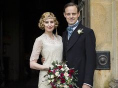 In honor of the Downton Abbey movie! From Lady Mary and Lady Edith to Anna and Mrs. Hughes, we're looking back at our favorite wedding moments from Downton Abbey! Lady Mary Crawley, Edith Crawley, Downton Abbey Costumes, Downton Abbey Fashion, Gentlemans Club, Downton Abbey Season 6, Downton Abbey Series 1, Laura Carmichael, Julian Fellowes