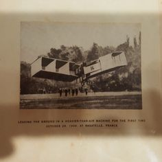 10 December 2016 (17:59) / A photograph from 1906 (unknown author) of SANTOS-DUMONT's aircraft 14-BIS, as presented at the SANTOS-DUMONT exhibition at Itaú Cultural, São Paulo City.