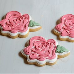 Wonky Rose Cookie Cutter and Fondant Cutter by Sweet Sugar Sunflower Cookies, Flower Sugar Cookies, Rose Cookies, Mother's Day Cookies, Bear Cookies, Summer Cookies, Valentines Day Cookies, Galletas Cookies, Fancy Cookies
