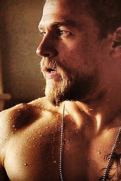 Charlie Hunnam/ Jax Teller Sons of Anarchy ~ I have never seen this show but that guy is very handsome! Hot Men, Sexy Men, Hot Guys, Sons Of Anarchy, Charlie Hunnam Soa, Jax Teller, Raining Men, Moustaches, Brad Pitt