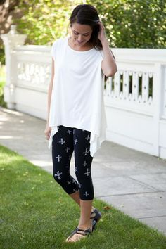Cross Capri Leggings | White Plum