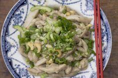 Stir-Fried Chicken Fillets with Cashews