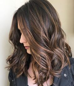 Looking for most pretty demanding hair color ever? See here the most great ideas of various balayage hair colors. Balayage is a French hair coloring technique where the color is painted on the hair… Brown Hair Shades, Light Brown Hair, Brown Hair Colors, Dark Brown, Dark Hair, Natural Brown, Brown Lob, Beige Hair, Mocha Brown