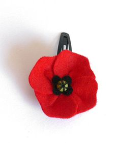 how to make a poppy out of felt