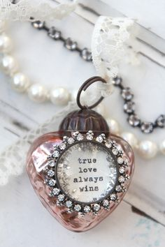 Mini Heart Ornaments -  #bethquinndesigns #hearts #valentinesday