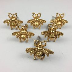 Bumble Bee Drawer Knob. A decorative item that brightens up any cupboard, chest of drawers or wardrobe! ✽Cabinet Knobs DURABILITY & STRENGTH - With strong structure, it's very sturdy and not easy to come apart . Come with screw, easy to install,fit for door cabinet dresser drawers cupboard wardrobe bookcase, etc. ✽Cabinet Pulls DIMENSIONS - Length 1.9 inch x Breadth 1.72 inch x Screw Size 1.7 inch ✽Dresser Drawer Knobs UTILITY - Kitchen Cabinet, Cupboard knobs, Drawer, dresser, table, shelf, Dresser Drawer Knobs, Kitchen Drawer Pulls, Cupboard Knobs, Drawer Hardware, Drawer Handles, Dresser Table, Yellow Drawers, Metal Drawers, Bees Knees