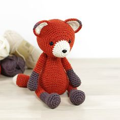 This written crochet pattern includes all the instructions needed to make your own 4-way jointed fox with moving arms and legs.