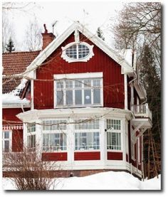 Exterior Paint Colors - You want a fresh new look for exterior of your home? Get inspired for your next exterior painting project with our color gallery. All About Best Home Exterior Paint Color Ideas Red Houses, Swedish Style, Swedish House, Red Cottage, Up House, Tiny House, Classic Interior, Victorian Homes, House Colors