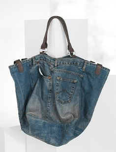 All Jeans, Jeans And Boots, Jean Diy, Denim Bag Patterns, Summer Handbags, Denim Crafts, Fabric Bags, Denim Outfit, Balenciaga City Bag