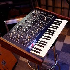 Octave the CAT #electronicmusic #synthesizer #instruments #electroacoustic #sound #synthesis