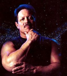 1. Christopher Langan  -  Considered by many to be the smartest person alive today, Christopher Langan is an autodidact (self-taught) who had a difficult upbringing in Montana and bulked up in order to fight off bullies as well as a temperamental stepfather. His IQ is reported to be between 195-210.