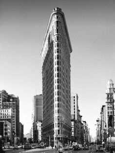 New York, New York, Flatiron Building Art Print by Henri Silberman Beautiful Architecture, Beautiful Buildings, Architecture Design, Beautiful Places, Flatiron Building, Banksy, Melbourne, Art Rose, Deco Zen