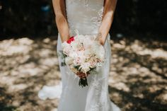 Indispensable, el ramo pone el broche de oro a un perfecto look de novia…