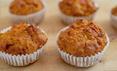 2 Ingredient Pumpkin Muffins, Pumpkin Spice Muffins, Pumpkin Puree, Banana Oat Muffins, Lemon Muffins, Cake Mix Muffins, Fall Dessert Recipes, Cake Recipes, Quick Easy Desserts
