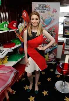 Gillian Jacobs photos, including production stills, premiere photos and other event photos, publicity photos, behind-the-scenes, and more.