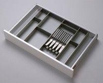 Suport Blum pentru cuţite Flatware, Kitchen Ideas, Home, Model, Organizations, Products, Cutlery Set, Ad Home, Dishes