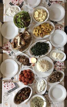 Πασχαλινο τραπεζι 🐰 Greek Easter, Food Styling, Panna Cotta, Ethnic Recipes, Dulce De Leche