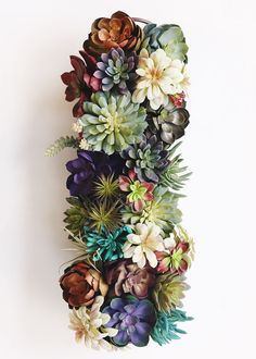 Faux succulents for creative DIY projects. Artificial succulents and air plants offer the realism with no maintenance required, find mini succulents to purple fake succulents and cactus. Tall Succulents, Colorful Succulents, Hanging Succulents, Artificial Succulents, Artificial Flowers, Succulent Wedding Centerpieces, Succulent Arrangements, Wedding Flower Arrangements, Floral Arrangements