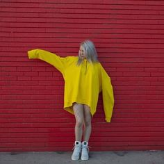¡Pensé que Billie no tenía piernas? - ¡Pensé que Billie no tenía piernas? Albert Pike, Yellow Hoodie, Foto Art, Female Singers, Pretty People, Girl Crushes, Dove Cameron, Celebs, Black Celebrities