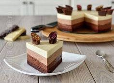 Tort Trio De Ciocolata - Cc eng sub - Jamilacuisine Köstliche Desserts, Sweets Recipes, Baking Recipes, Delicious Desserts, Cake Recipes, Triple Chocolate Mousse Cake, Chocolate Cake, Sweet Tarts, Mini Cakes