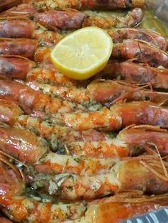 Langostinos al horno – Güveç yemekleri – The Most Practical and Easy Recipes Fish Recipes, Seafood Recipes, Mexican Food Recipes, Great Recipes, Cooking Recipes, Favorite Recipes, Healthy Recipes, Tapas, Mediterranean Recipes