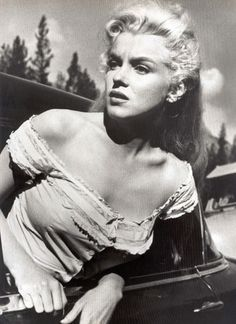 a classic beauty: Marilyn Monroe on the set of River of No Return, 1953. this is what sexy really looks like