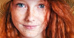 Freckles: do you hate yours or wish you had more? is making freckles the latest craze in beauty trends! Fake Freckles, Redheads Freckles, Freckles Girl, Beautiful Freckles, Beautiful Red Hair, Gorgeous Redhead, Beautiful Women, Red Hair Day, Freckle Face