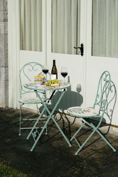 Eden Mosaic Bistro Set : The Eden Mosaic 3 Piece Bistro Set includes 1 x Round Bistro Table and 2 x Folding Chairs. The bistro set is perfect for sharing an outdoo 3 Piece Bistro Set, The Bistro, Table Dimensions, Round Frame, Hello Summer, Small Gardens, Folding Chair, Framing Materials, Table And Chairs