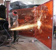 Welding / spark curtain
