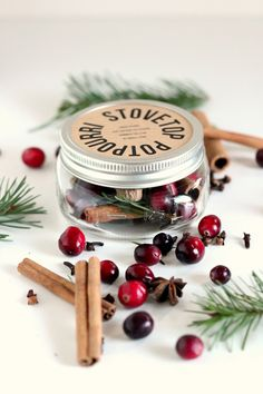 Gifts in a jar that make great Christmas presents!
