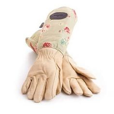These Floral Leather and Linen gardening gloves are made from a soft waterproof leather to protect your hands and have long linen cuffs to protect your arms from brambles.