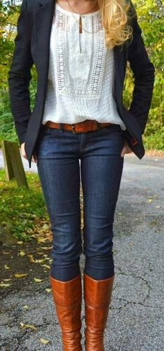 Love the look. Have a hard time tucking in tops to look like this. Also hard for me to find nice fitted blazers that look right