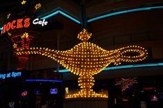 Vintage Vegas Neon Sign Picture 8