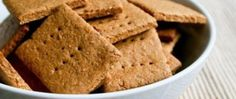 Homemade Graham Crackers - trying these tomorrow to go with the pumpkin butter I'm making! Low Sugar Recipes, No Sugar Foods, Baby Food Recipes, Snack Recipes, Graham Cracker Recipes, Homemade Graham Crackers, Healthy Snack Options, Healthy Desserts