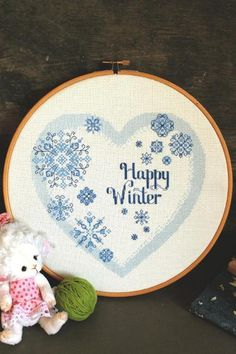 Heart pattern with snowflakes | Craftsy