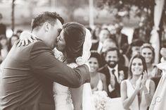 Suellen e Fernando <3    Essa noiva mais linda é a Suellen Geromel, nossa querida cliente que se casou com uma joia de cabelo do Ateliê Bem Casada, feita sob medida especialmente para ela. Que a felicidade de vocês se renove sempre a cada dia! Felicidades aos noivos  #BemCasadaBride #Weddingday  Fotos maravilhosas pelo talentoso João Pereira