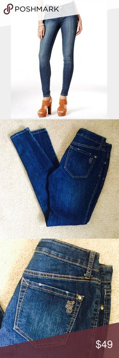 ❗Jessica Simpson Kiss Me Jeggings MSRP $98 ❗Jessica Simpson Kiss Me Jeggings. Size 27. Retails$98. Good condition. True colors in pics 2-8, cover photo to show fit. These jeans have a skinny almost crop look. Make an offer! Selling to first offer--I consider all reasonable offers on individual items & give great bundle deals. New Year cleanout sale ;-) Jessica Simpson Jeans