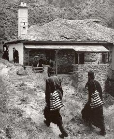 Once on Mount Athos there was a monk who lived in Karyes. Orthodox Christianity, Pilgrim, Sailing, Greece, The Past, Black And White, House Styles, Poetry, Faith