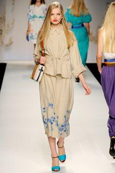 Fendi Spring 2011 Ready-to-Wear Fashion Show - Anja Rubik