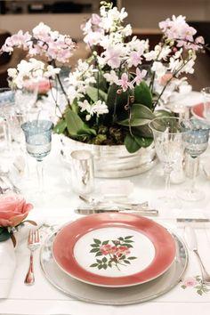 Mesa azul e rosa (Foto: Michelle Moll)