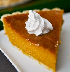 4 Ingredient Pumpkin Pie - raw cashews, maple syrup, pumpkin and spices (+ crust)  DIVINE!