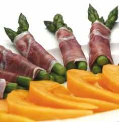 It's a Bank Holiday so it's picnic time! Ignore the weather and just get out there are enjoy yourselves my first picnic dish is Asparagus wrapped in Proscuitto and served with melon. Very nutritious and high in Iron.