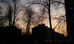 Osiedle Wandy - uroki mieszkania na przedmieściu.