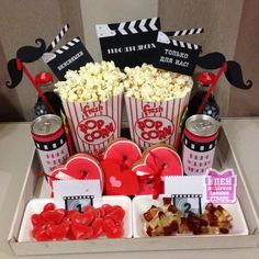 Birthday Gifts For Best Friend, Best Friend Gifts, Ideas Aniversario, Cool Gifts, Diy Gifts, Birthday Room Decorations, Cute Couple Gifts, Movies Box, Creative Box