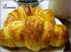 Express croissant (in hungarian) Croissant Bread, Bread Bun, Pastry Recipes, Bread Recipes, Cake Recipes, Ital Food, Bread Dough Recipe, Hungarian Recipes, Winter Food