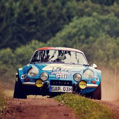 Alpine was so utterly dominate in racing with the that by 1968 they were allocated Renault's entire competition budget. Alpine Renault, Renault Sport, Rallye Automobile, Alpine Car, Vintage Race Car, Rally Car, Fast Cars, Sport Cars, Motor Car