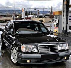 Mercedes Motor, Mercedes 124, Mercedes Benz Coupe, Classic Mercedes, Mercedez Benz, Car Goals, Cars And Motorcycles, Dream Cars, Super Cars